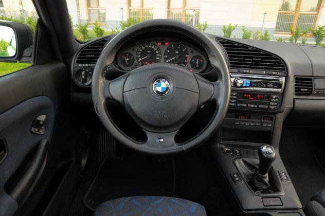 BMW E36 Coupe - deska rozdzielcza