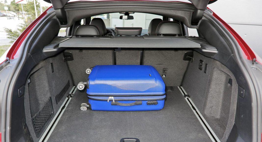 BMW X4 - bagażnik