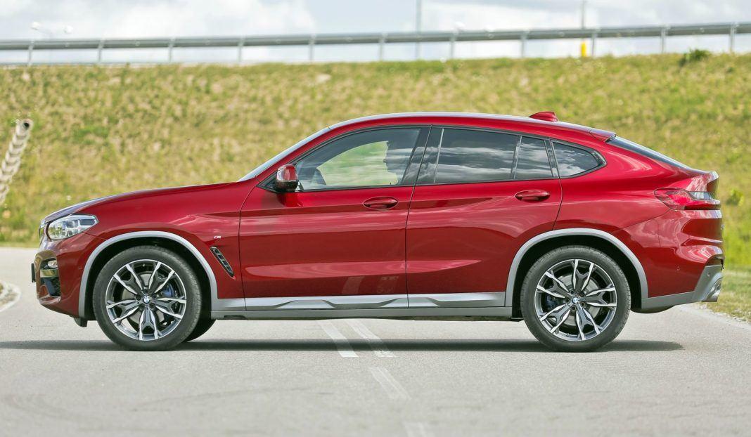 BMW X4 - bok