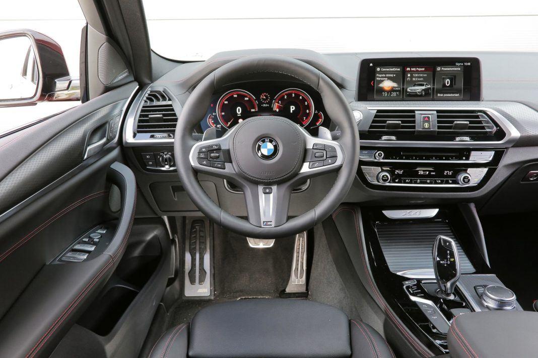 BMW X4 - deska rozdzielcza