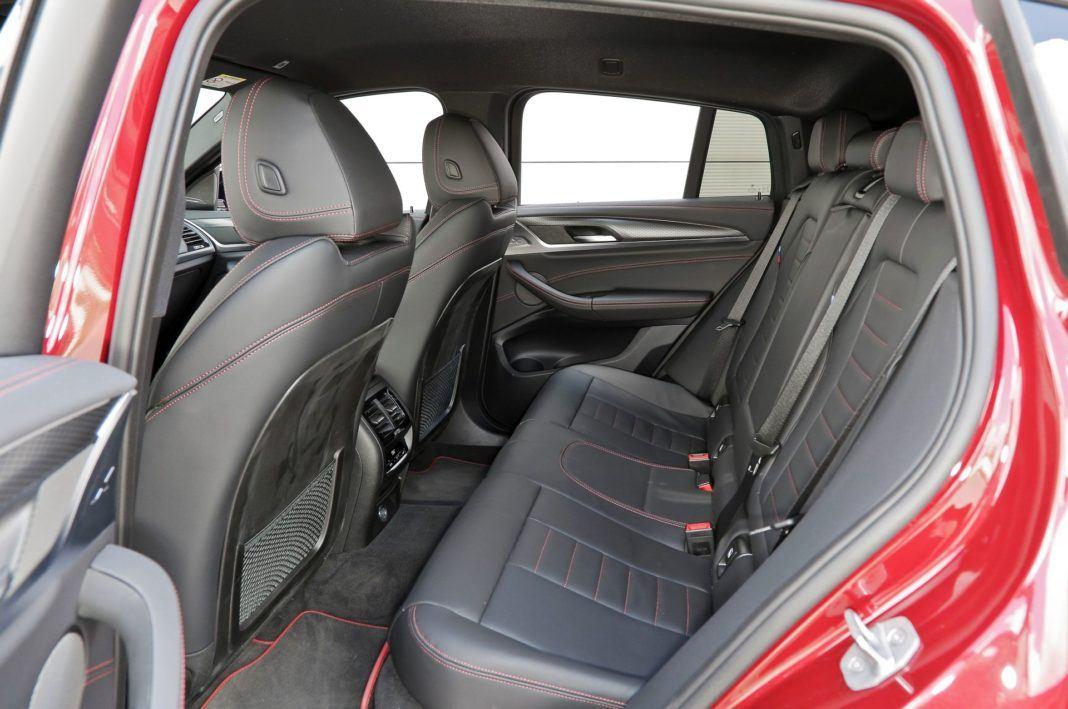 BMW X4 - kanapa