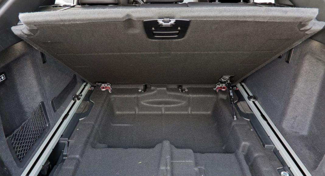 BMW X4 - schowek