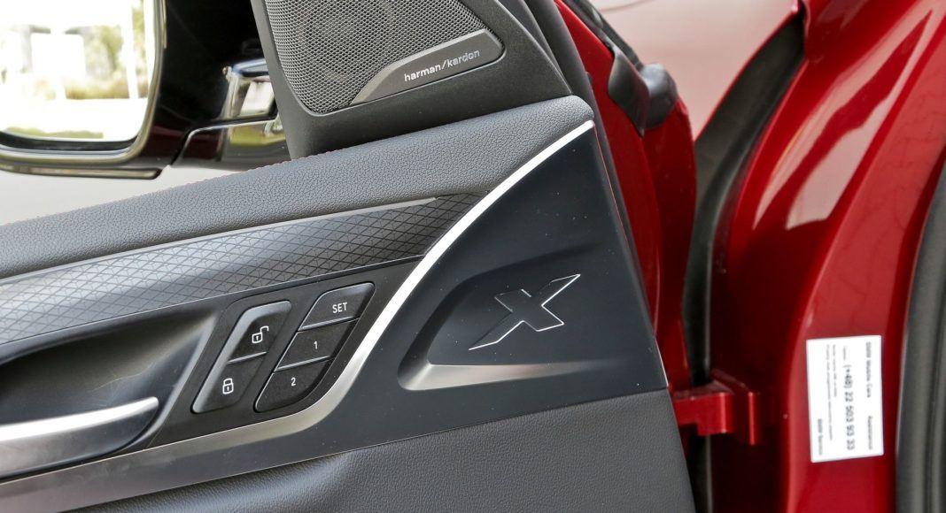 BMW X4 - znak X