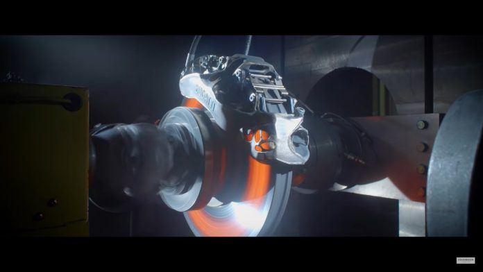 Bugatti Chrion - tytanowy zacisk