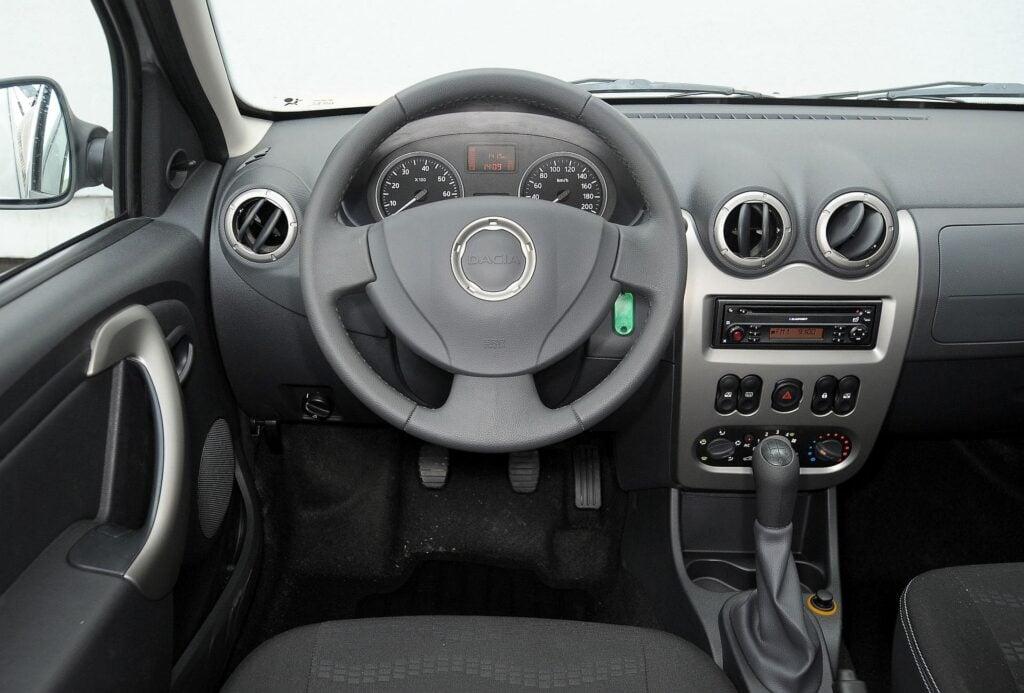 Dacia Sandero I 03