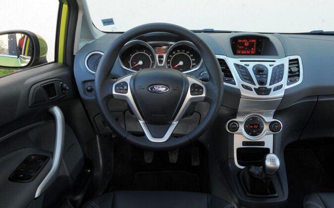 Używany Ford Fiesta VII - opinie - deska rozdzielcza