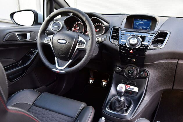 FORD Fiesta VI FL ST200 1.6EcoBoost 200KM 6MT WE742MX 09-2016