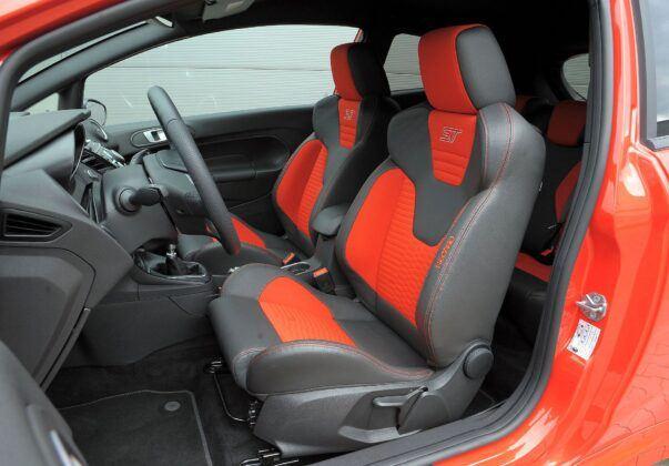 Ford Fiesta VII fotel kierowcy (2)