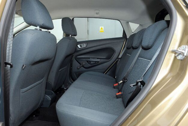 Ford Fiesta VII kanapa (2)