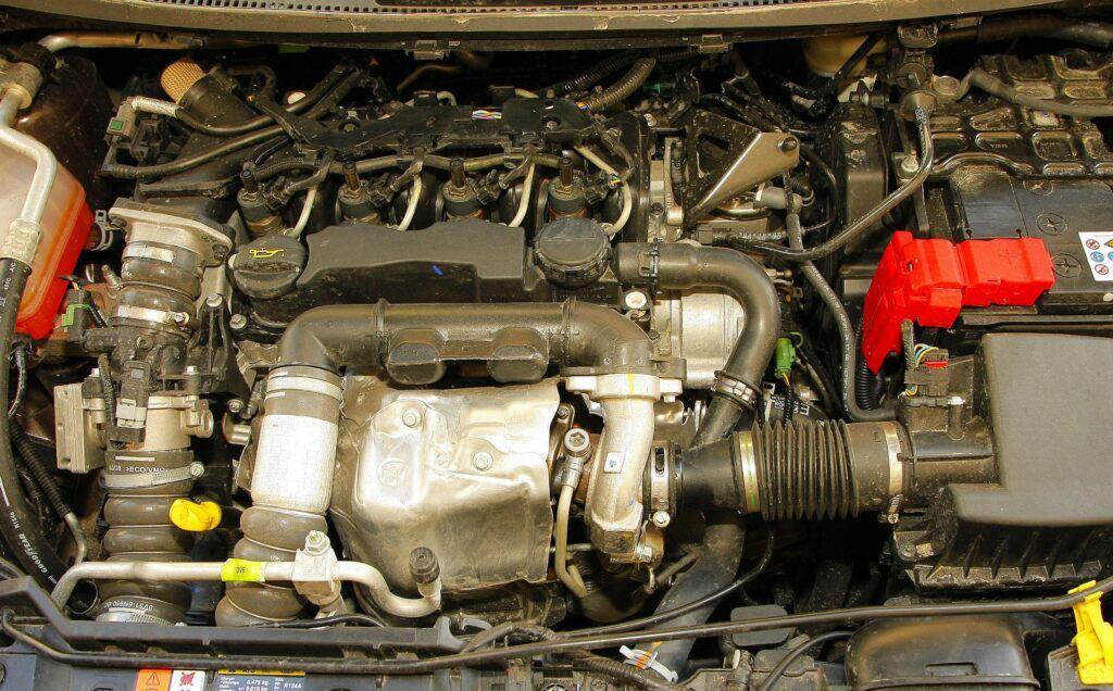 FORD Fiesta VI Ghia 1.6TDCi 5MT WE6215R 04-2009