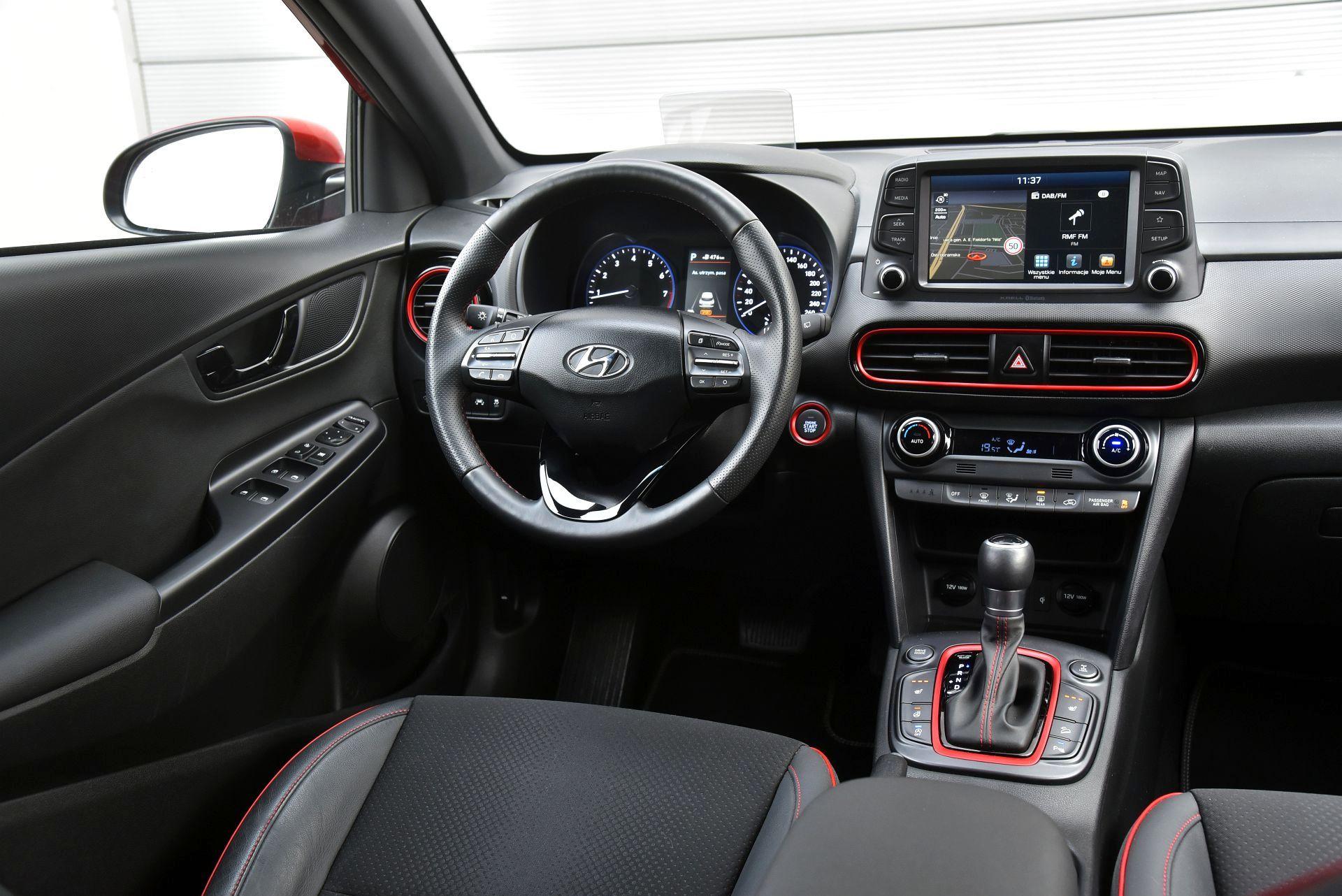 Hyundai Kona - deska rozdzielcza