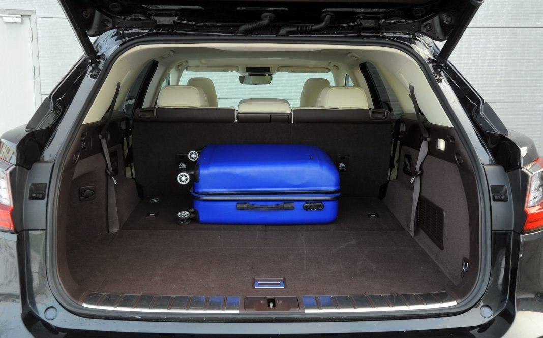 Lexus RX L - bagażnik