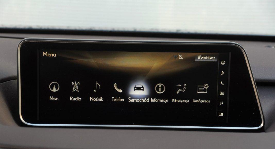 Lexus RX 450hL - ekran centralny
