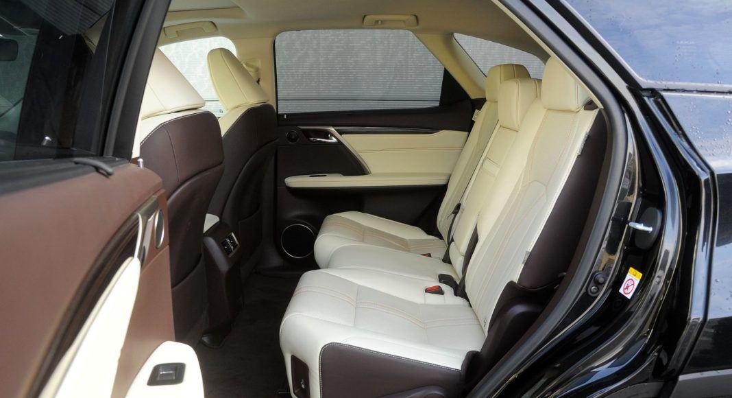 Lexus RX 450hL - kanapa
