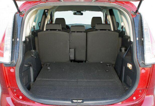 Mazda 5 I bagażnik (2)