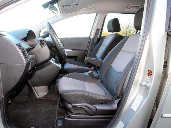 Mazda 5 I fotel kierowcy