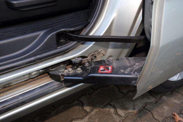 Mazda 5 I przesuwane drzwi