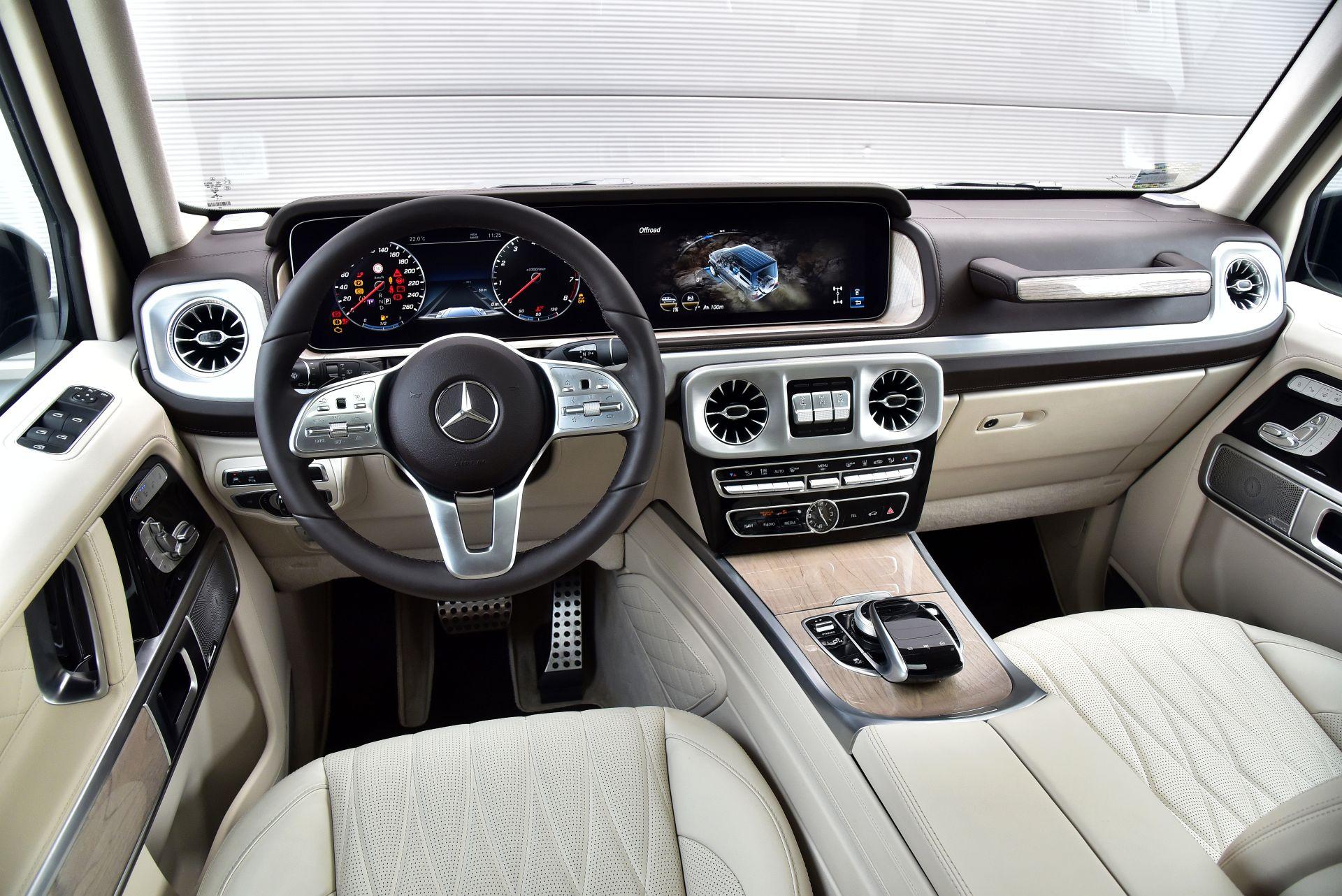 Mercedes G 500 - deska rozdzielcza