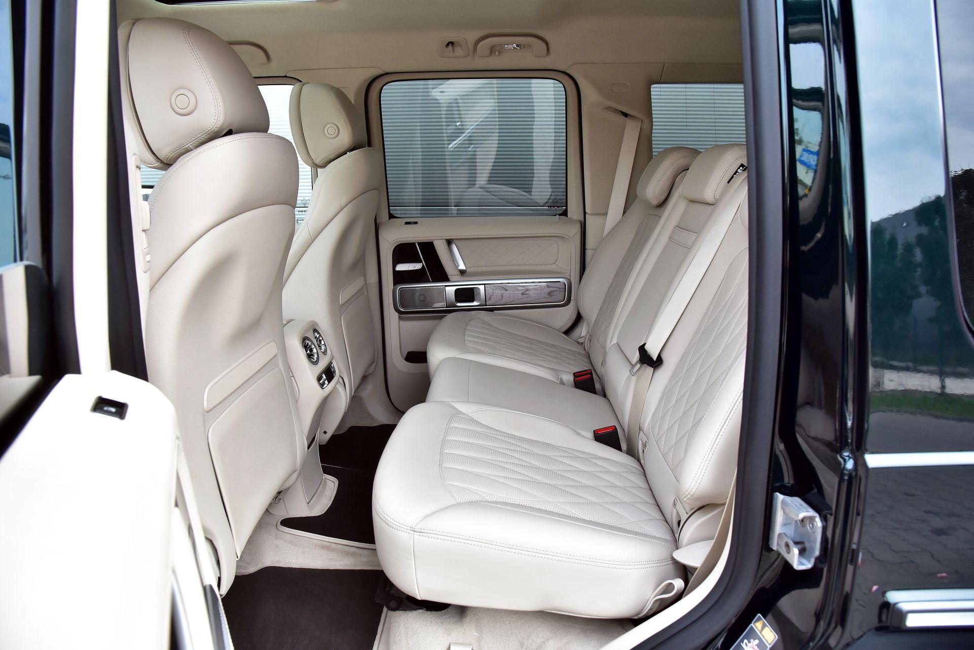 Mercedes G 500 - kanapa