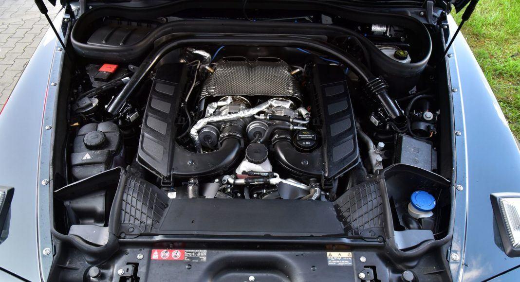 Mercedes G 500 - silnik