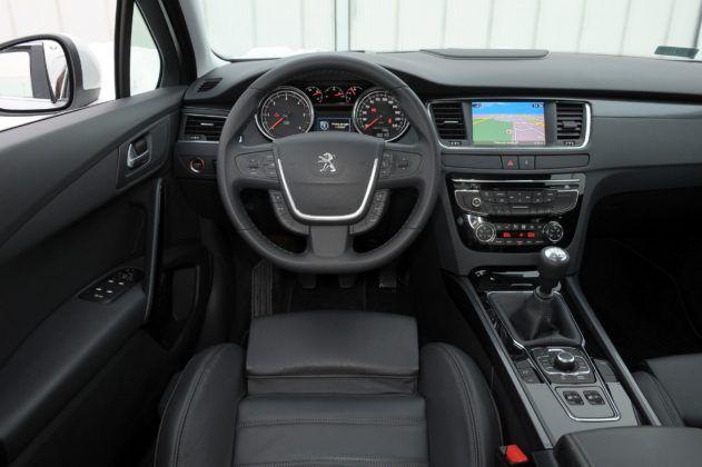 Peugeot 508 I - deska rozdzielcza