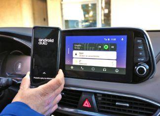 Android Auto, Apple CarPlay, MirrorLink – który system najlepiej łączy smartfon z autem?