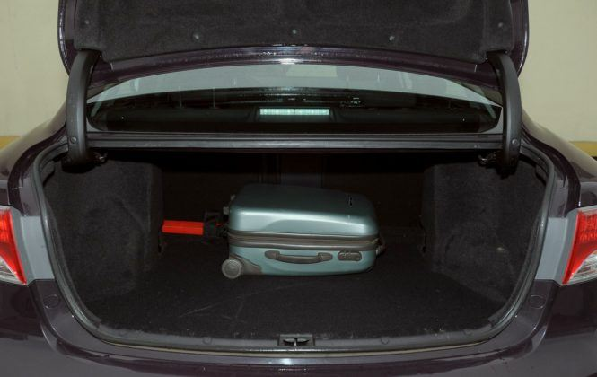 Toyota Avensis III - bagażnik