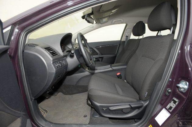 Toyota Avensis III - fotel kierowcy