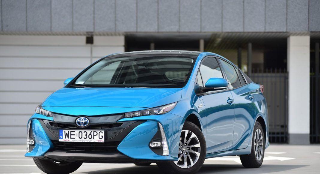 Toyota Prius Plug-In Hybrid – przód lewy