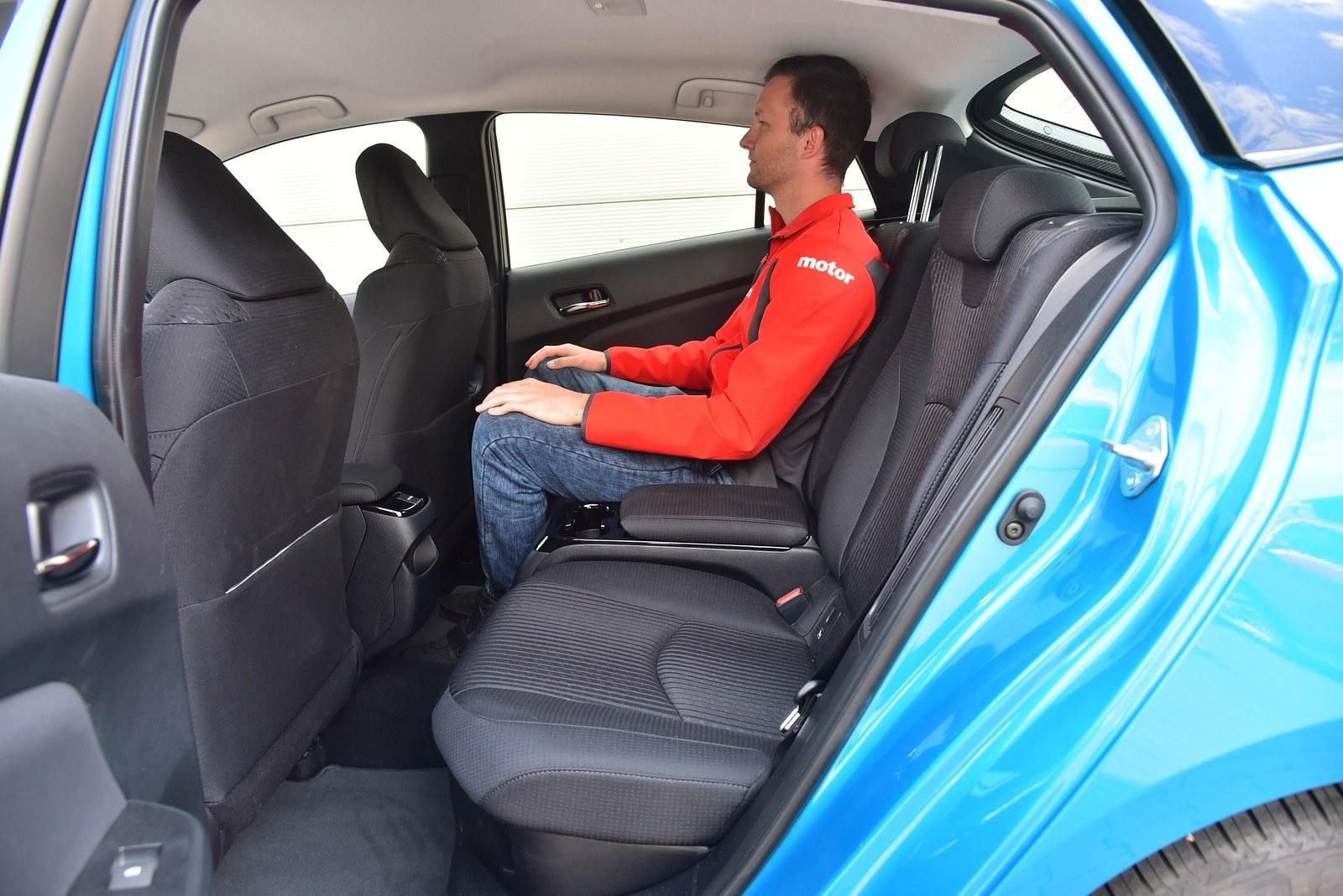 Toyota Prius Plug-In Hybrid - kanapa