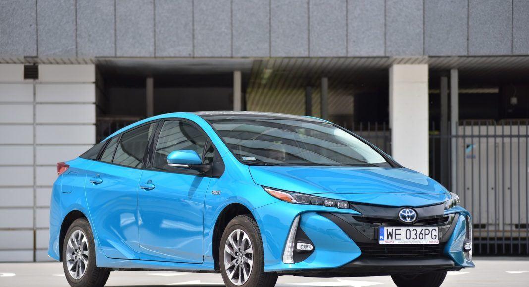Toyota Prius Plug-In Hybrid - przód prawy
