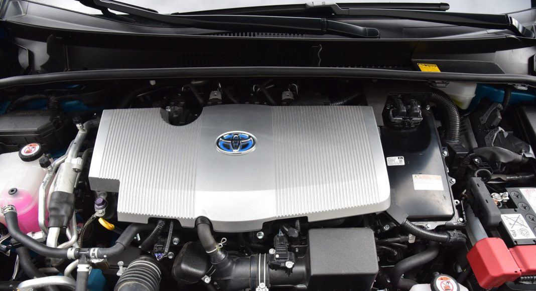 Toyota Prius Plug-In Hybrid - silnik