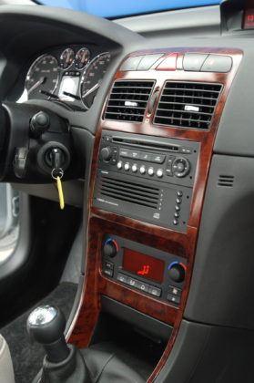 Używany Peugeot 307 - konsola srodkowa