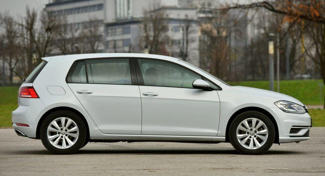 Volkswagen Golf 1.6 TDI - bok