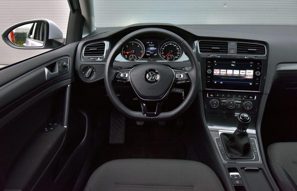 Używany Volkswagen Golf 1.6 TDI - deska rozdzielcza