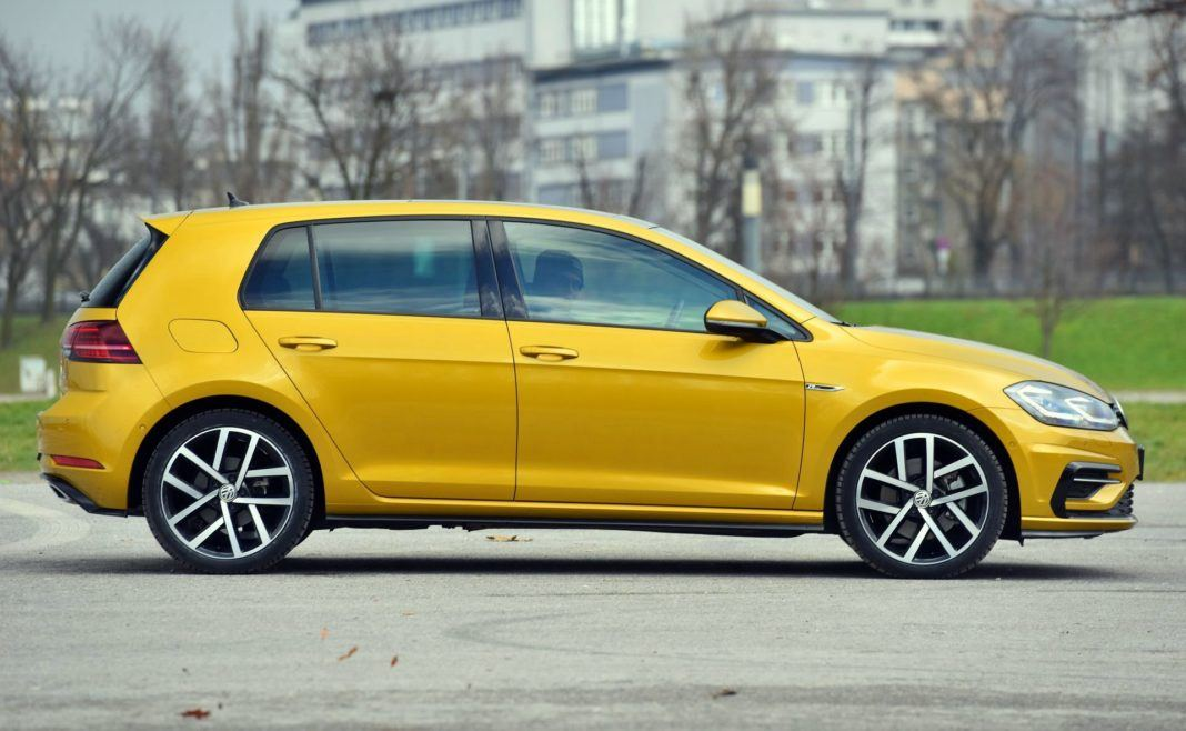 Volkswagen Golf 1.5 TSI - bok