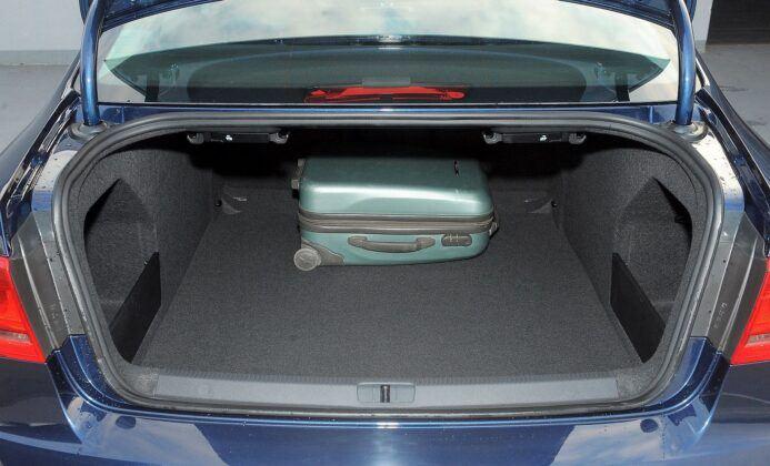 Volkswagen Passat B7 bagażnik