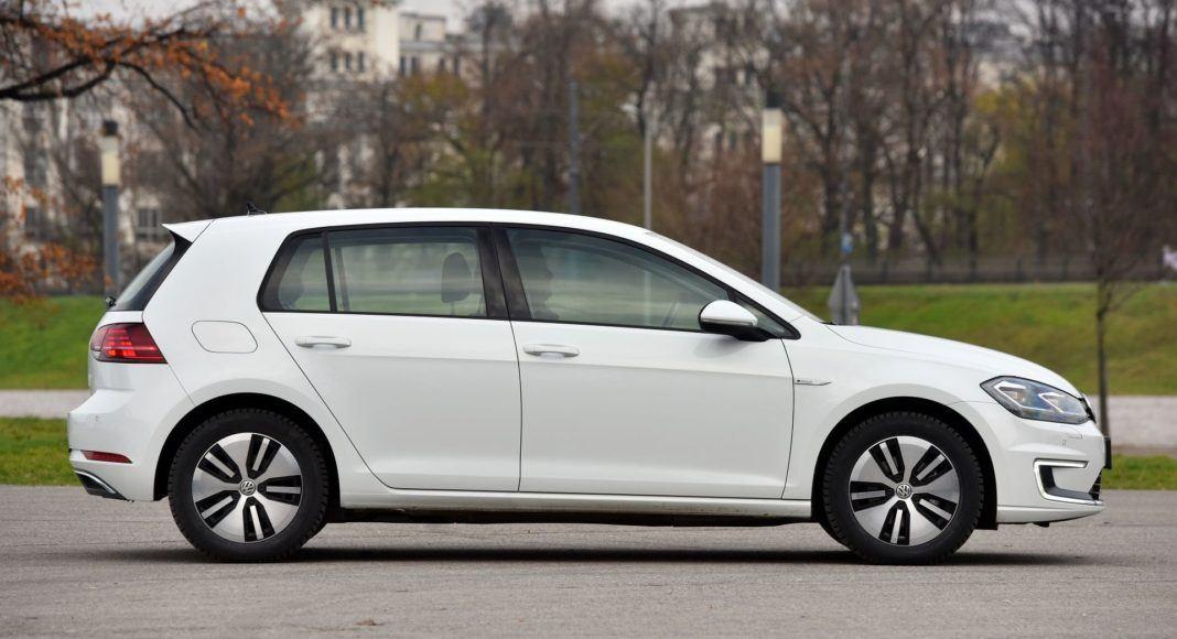 Volkswagen e-Golf - bok