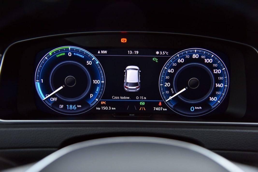 Volkswagen e-Golf - zegary