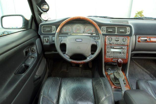 Volvo C70 - deska rozdzielcza