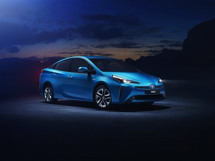 Toyota Prius po liftingu (2019)
