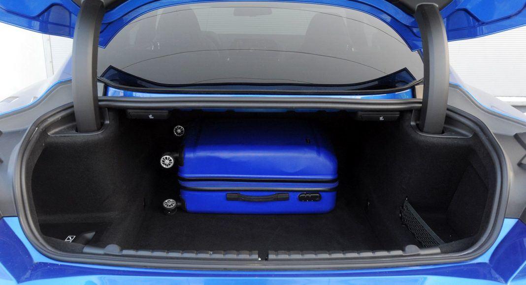 BMW M850i - bagażnik