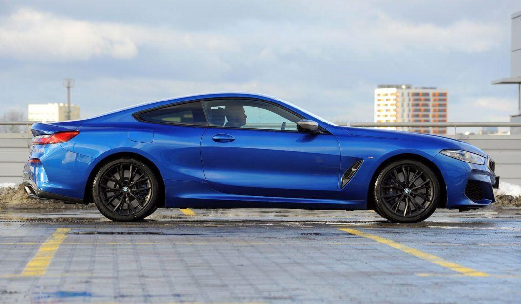 BMW M850i - bok
