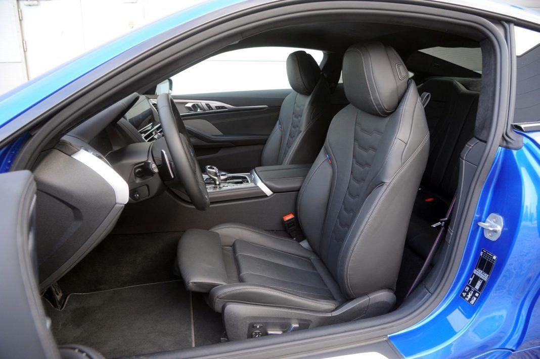 BMW M850i - fotel kierowcy