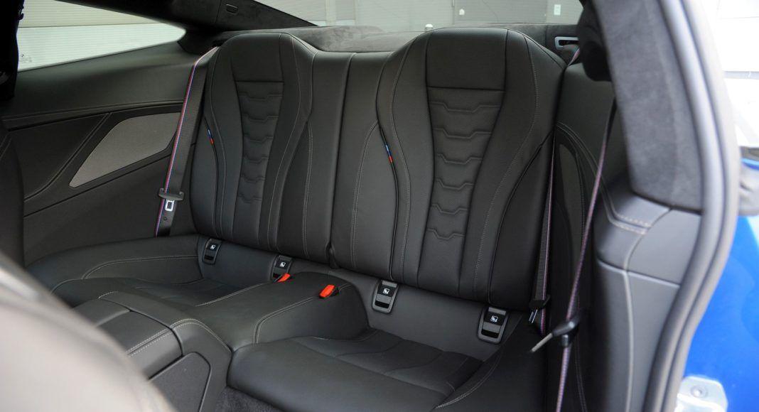 BMW M850i - kanapa