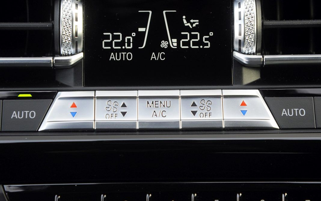 BMW M850i - przyciski