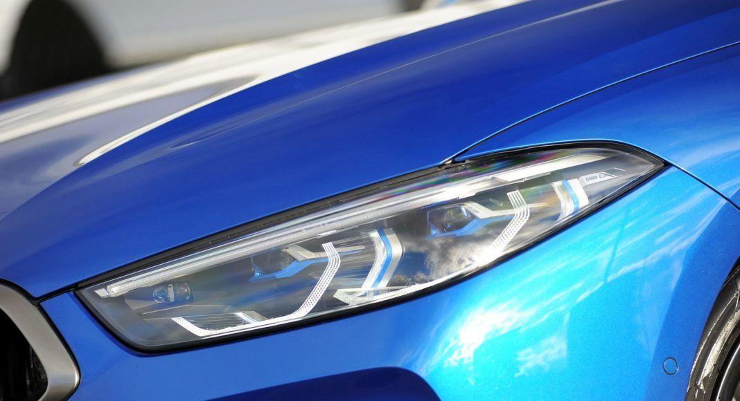 BMW M850i - reflektor