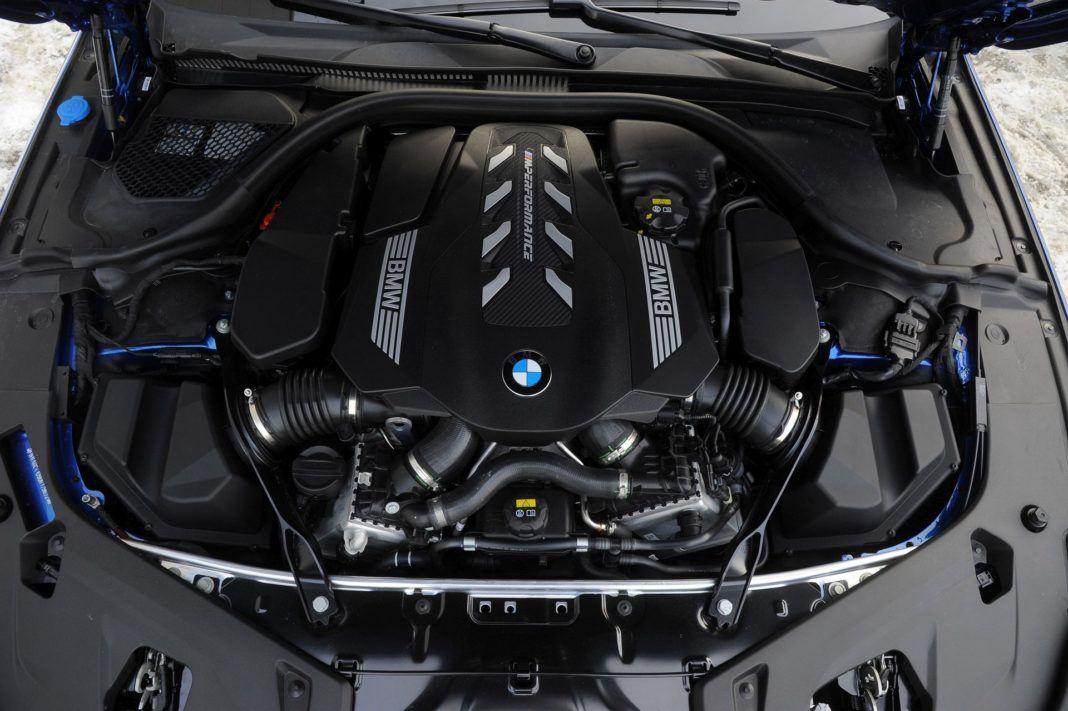 BMW M850i - silnik