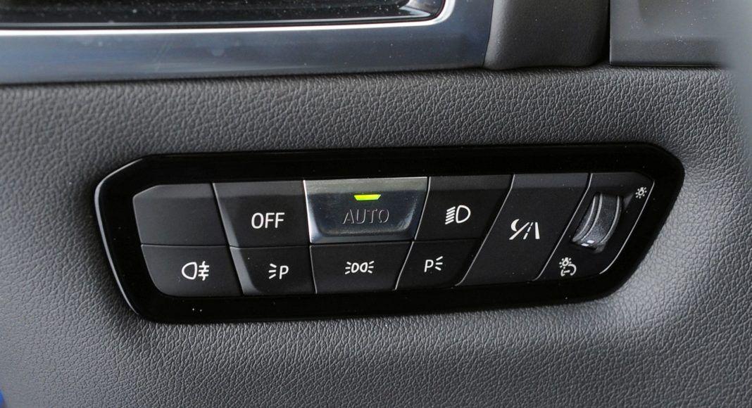 BMW M850i - włącznik świateł