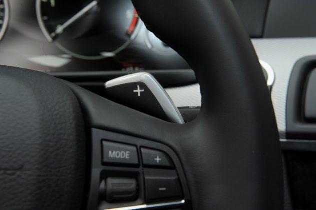 BMW serii 5 (F10) - łopatki